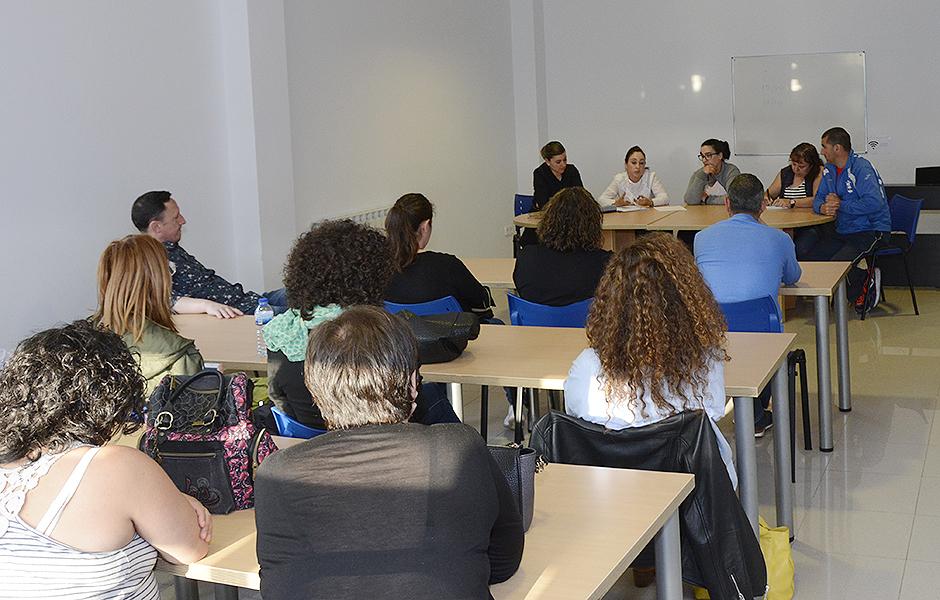 O 20 de abril celebraranse no centro Luis Seoane unha asemblea de infantil e primaria e outra de  secundaria