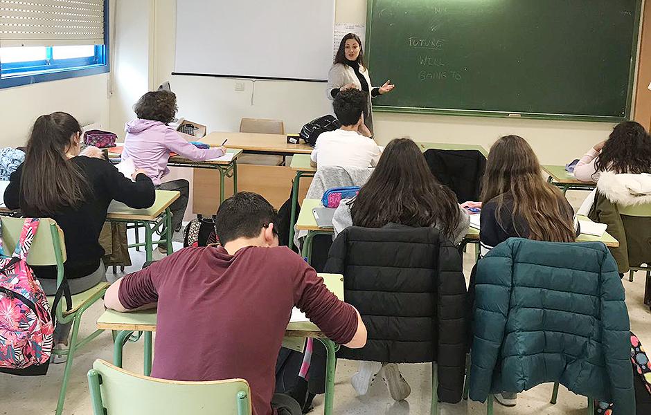 Hoxe comezan as clases de Inglés B1 e o alumnado poderá usar o transporte escolar