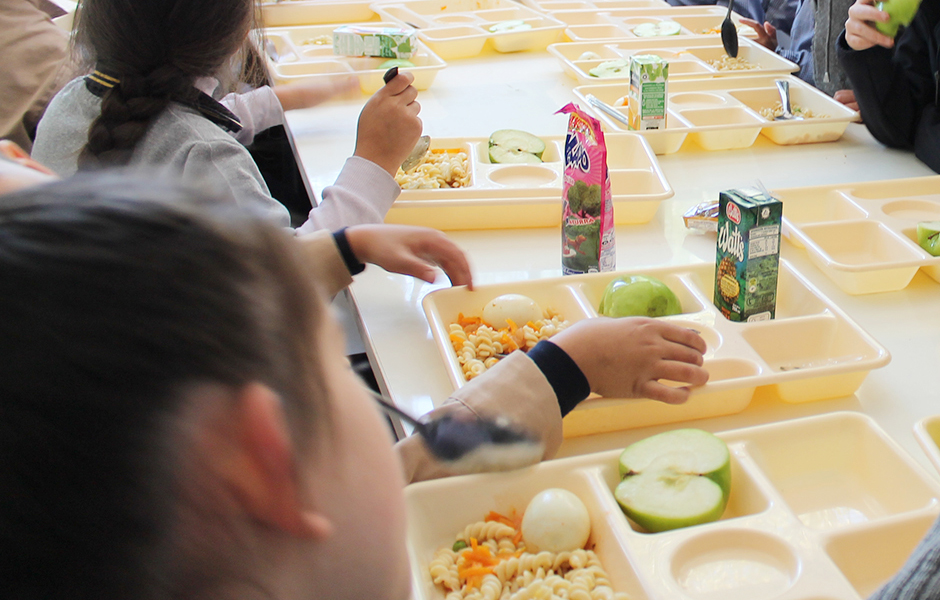 A Consellería de Educación concede axudas pola suspensión do comedor escolar ás familias que estaban becadas